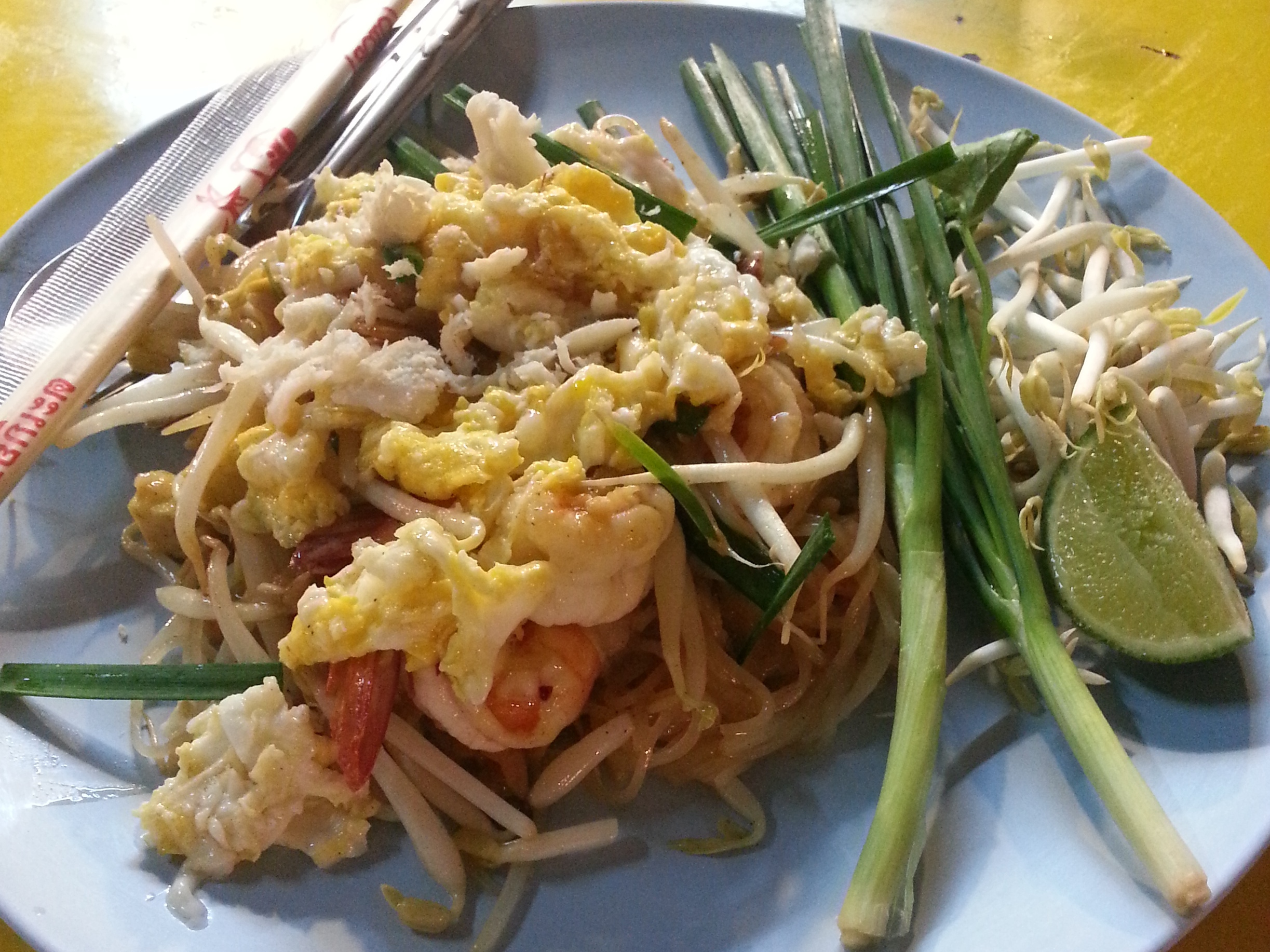 Bangkok street food - pad thai