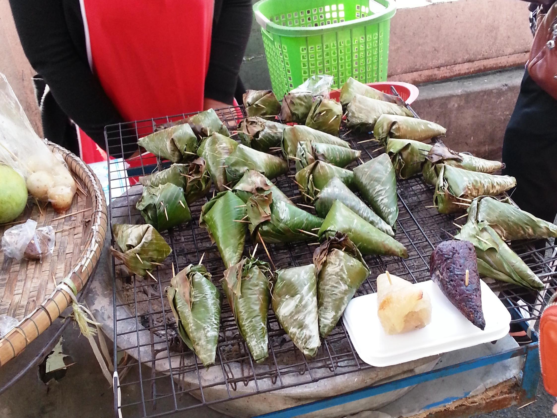 Bangkok street food - sticky rice stand