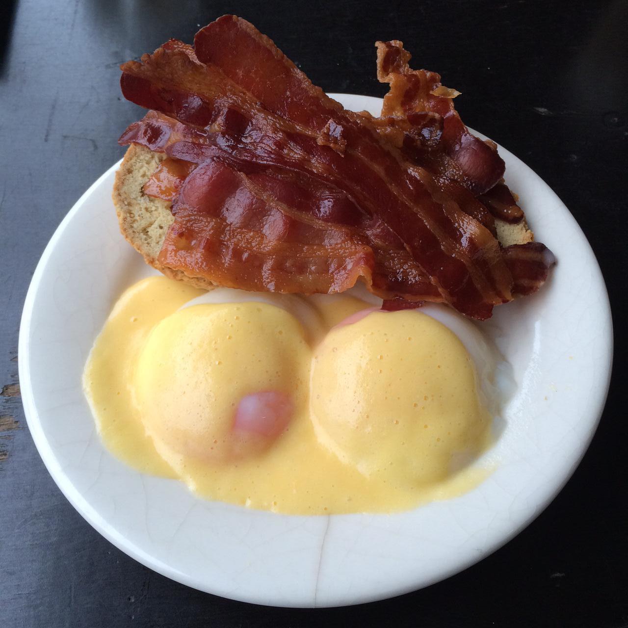 Ontbijtbar - eggs benedict